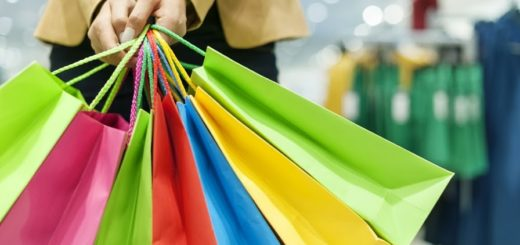 shutterstock_126762251-shopping